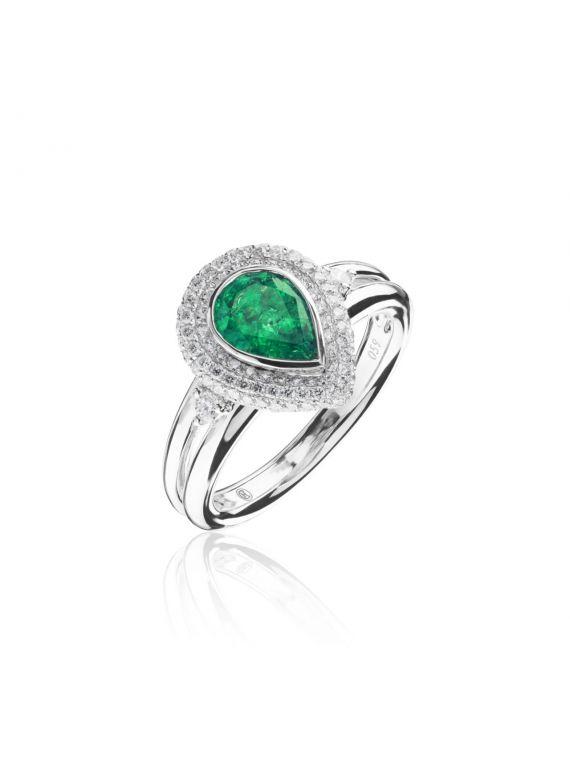 smaragdiga sõrmus